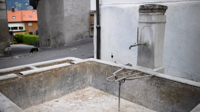 Trockengelegter Brunnen.