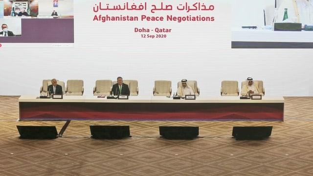 Blick in den Sitzungssaal der Friedensgespräche in Doha.