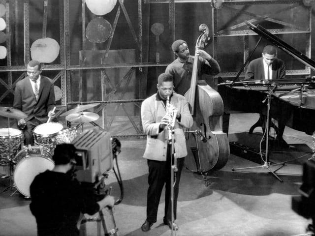 Das Coltrane Quartet spielt in einem Fernsehstudio