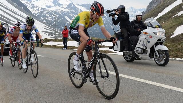 Mathias Frank durfte sich nach der 3. Etappe das Leadertrikot überstreifen.
