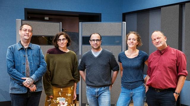 Autor Gion Mathias Cavelty, Dramaturgin Kathrin Zipse, Autor Lukas Holliger, Dramaturgin und Regisseurin Susanne Janson und Autor Matthias Berger.