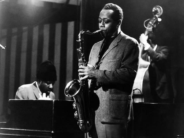 Saxophonist Charlie Rouse neben Pianist Thelonious Monk – bei einem Auftritt im Ronnie Scott's Jazz Club in London 1970.