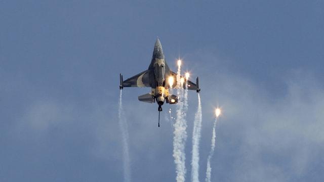 Aviun F-16-Bomber