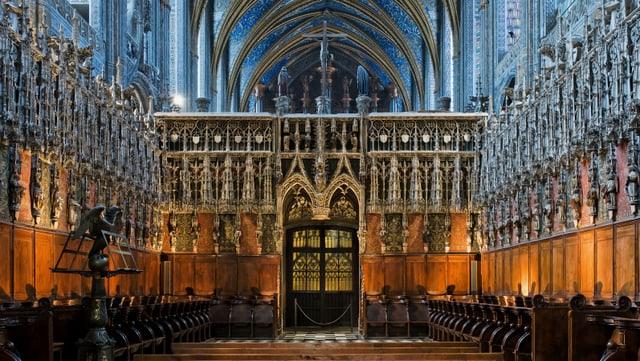 Eine reich verzierte Kathedrale.
