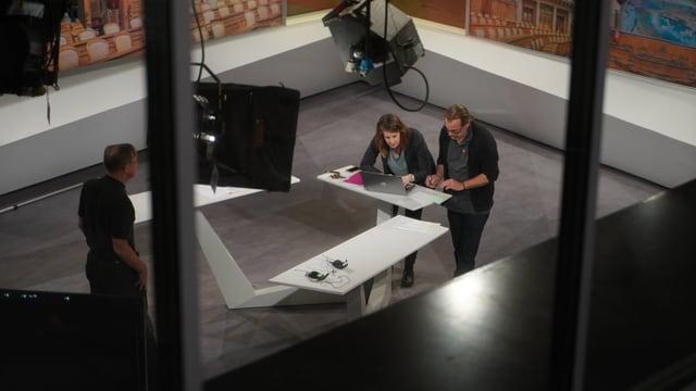 preparativas en il studio da Telesguard