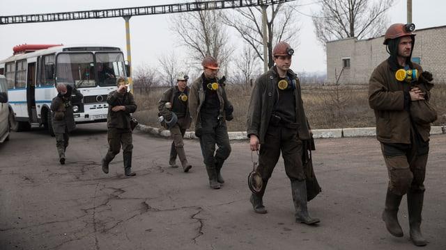 Miniers da la miniera da cotgla en l'Ucraina.