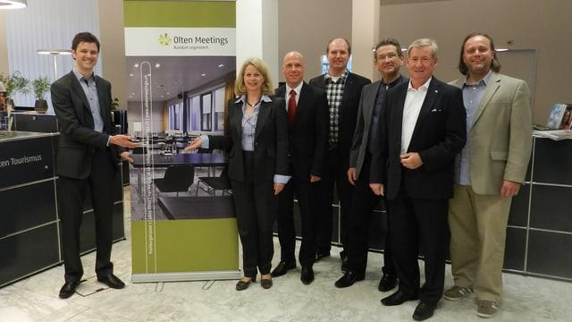 Christian Gressbach (l.), von Region Olten Tourismus und seine Partner aus der Hotellerie und der Event-Branche.