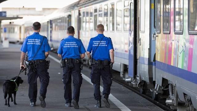 Guardias da cunfin a Basilea.