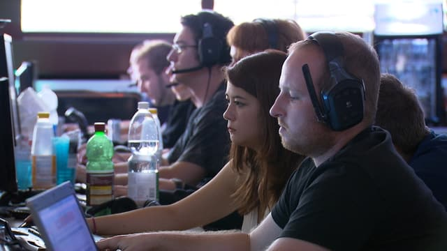 Gamer an einer LAN-Party.