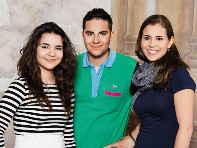 Tamara und Raul Pérez (14 und 16) aus Hedingen ZH mit Patin Eliane Müller.