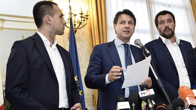 Premierminister Conte (Mitte) und den Stellvertretern Di Maio und Salvini.