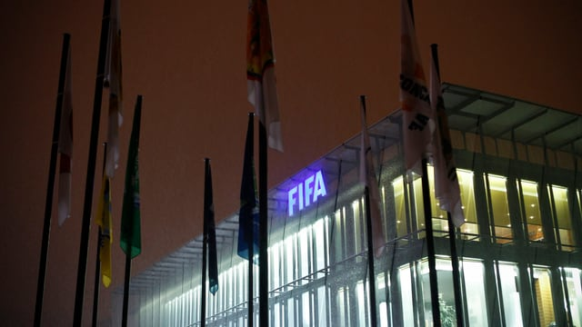 Der Weltverband schloss 33 chinesische Akteure lebenslang vom Fussball aus.