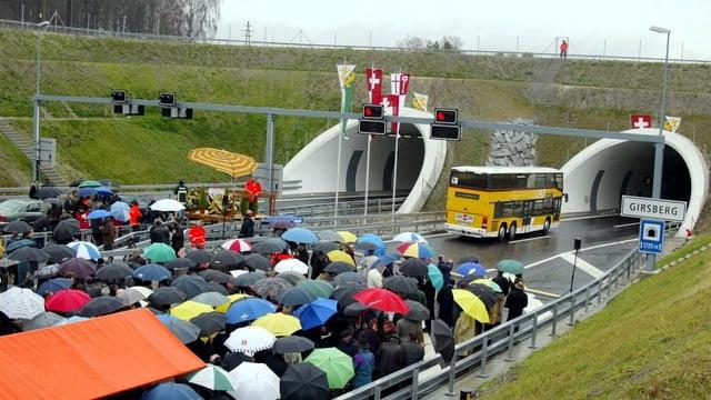 Die Eröffnung des Girsbergtunnels im Jahr 2002.
