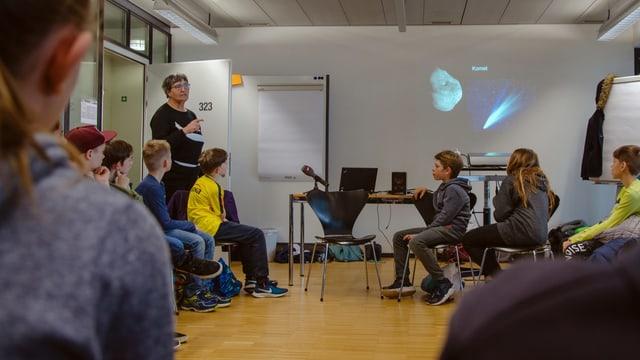 Kathrin Altwegg erklärt die Rosetta-Mission.