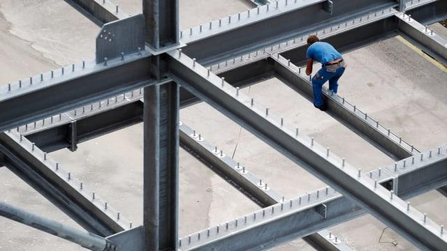 Baustelle mit Arbeiter