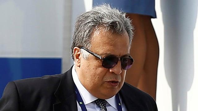 L'ambassadur russ Andrej Karlow barmier