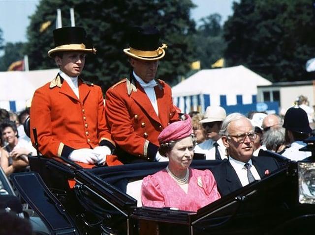 Die Royal-Kutsche gross im Bild.