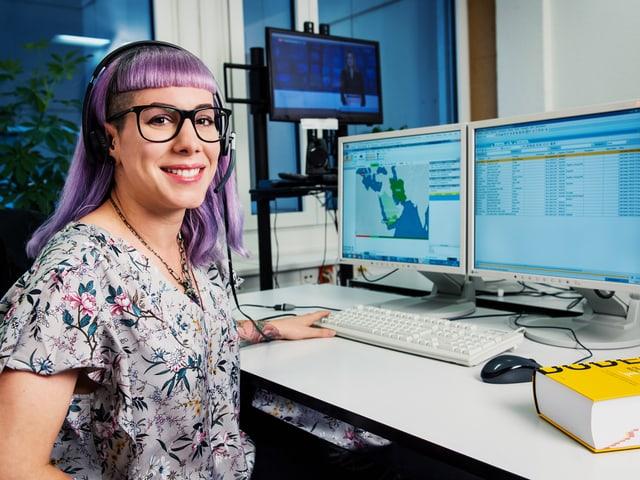 Dana Widmer macht das schier Unmögliche möglich: damit Hörbehinderte und Gehörlose Live-Sendungen mit Untertiteln verfolgen können.