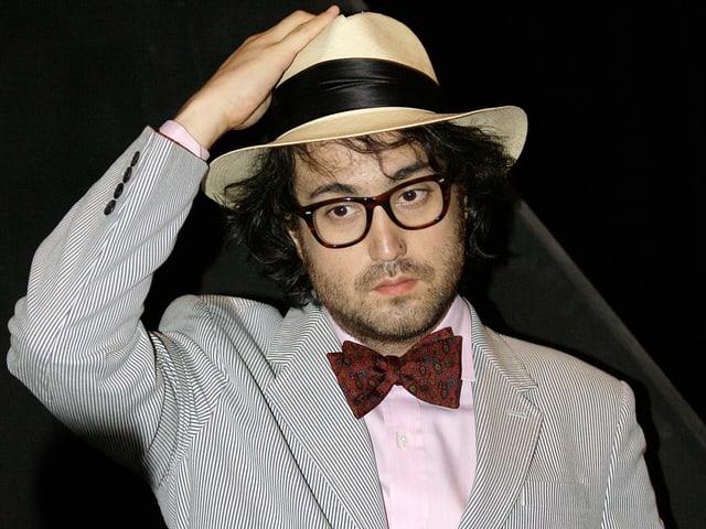 Ein Porträt von Sean Lennon.