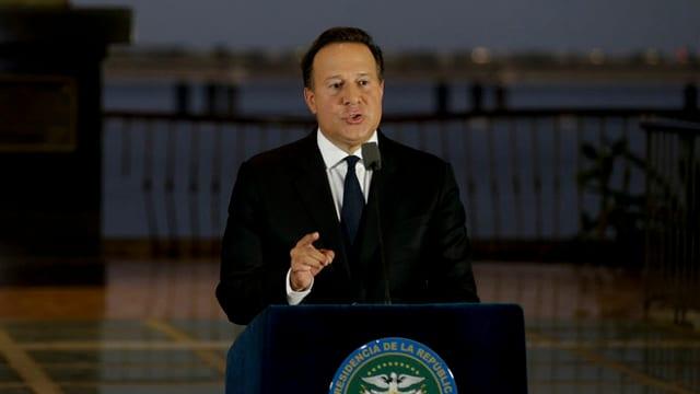 Il president Juan Carlos Varela durant in pled.