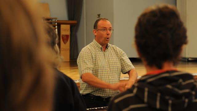 Rest Giusep Tuor dirigia il Chor Surselva