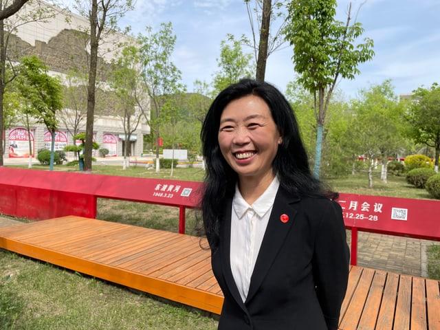 Professorin Feng Jianmei unterrichtet an der kommunistischen Akademie.