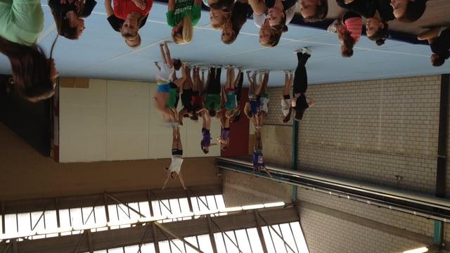 Cheerleader im Training