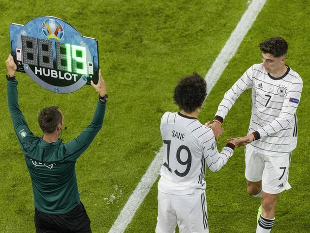Leroy Sané bei seiner Einwechslung für Kai Havertz gegen Frankreich.