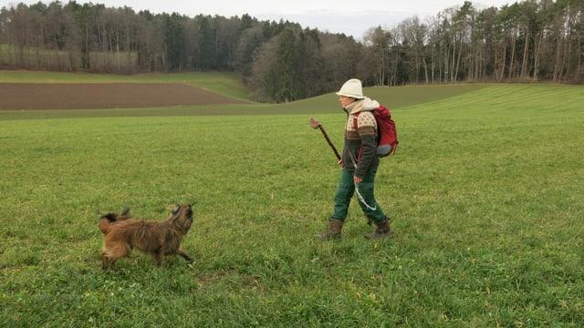 Sarah Müri mit ihren Hund Cajou