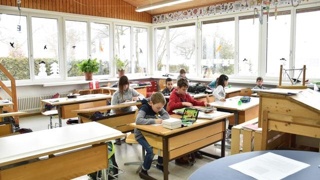 Eine Schulklasse in Wilisberg.