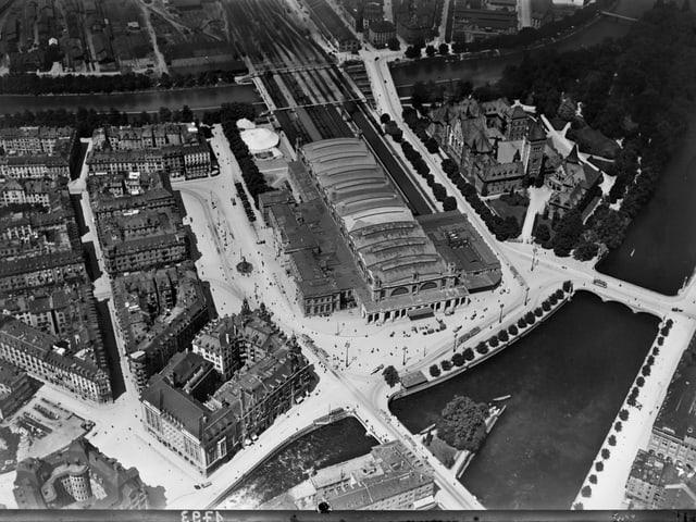 Hauptbahnhof von oben.