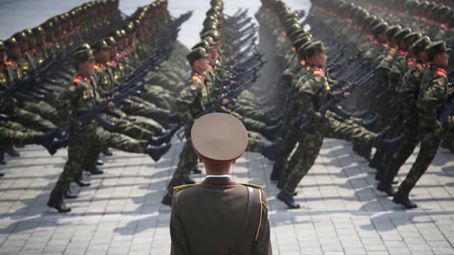 Nordkoreanische Soldaten bei einer Parade.