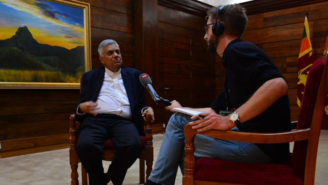 Zwei Männer beim Interview.