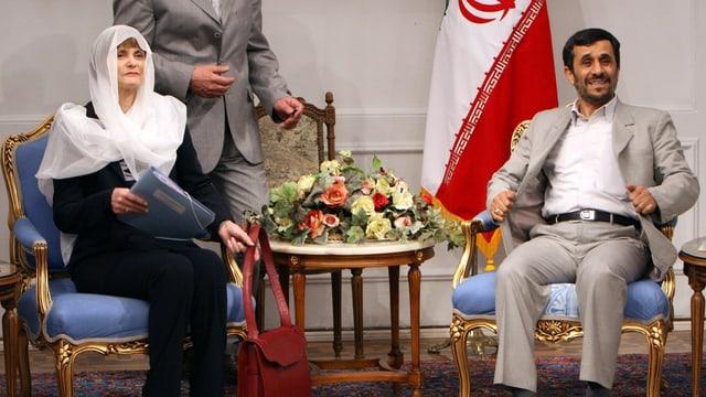 Mahmoud Ahmadinejad e Micheline Calmy-Rey a Teheran.