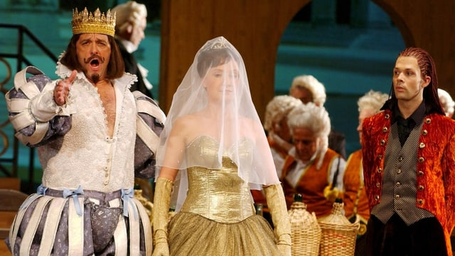 Szene aus Oper: König singt