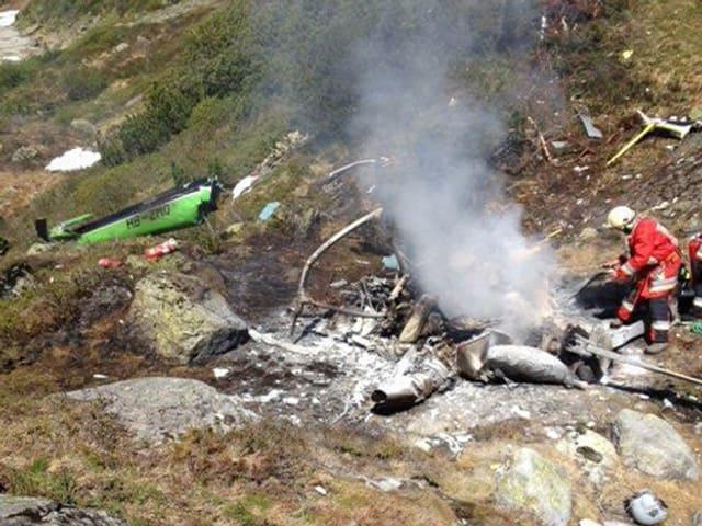 Der absgestürzte Helikopter im Erstfeldertal.
