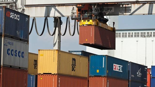 Container-Umschlagplatz
