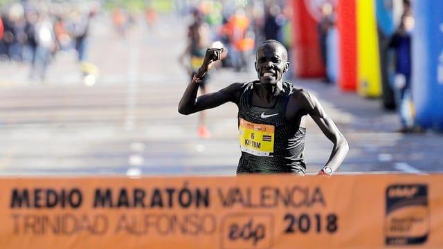 Abraham Kiptum beim Halbmarathon von Valencia