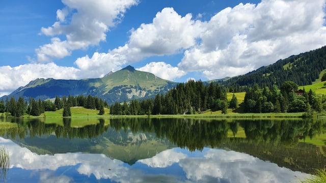 In der warmen, labilen Luft bilden sich Quellwolken.