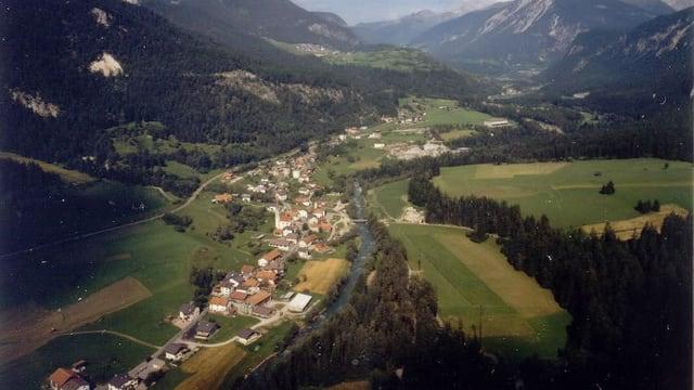 Luftaufnahme Surava