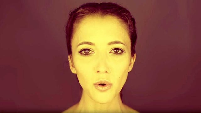 Zum Musikvideo