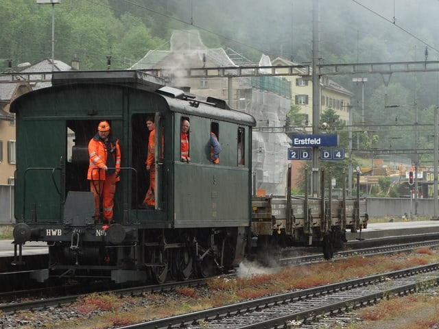 Lokomotive auf dem Bahnhof Erstfeld.