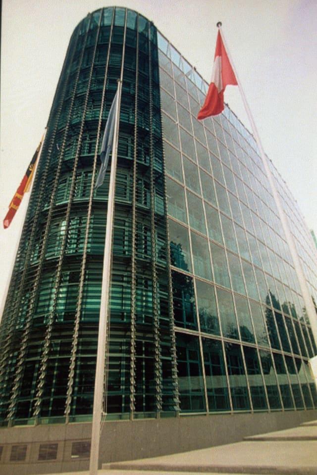 WMO Gebäude aus viel Glas - modern.
