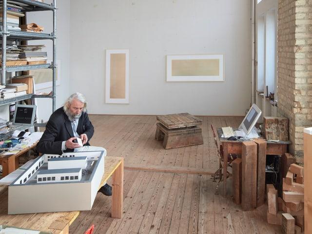 Hans Danuser in seinem Zürcher Atelier
