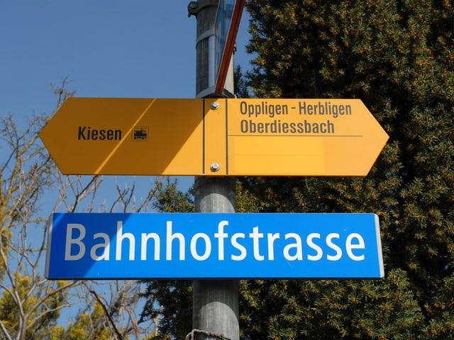 Schild «Bahnhofstrasse».