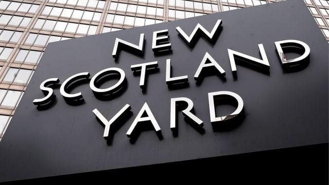 Schild New Scotland Yard