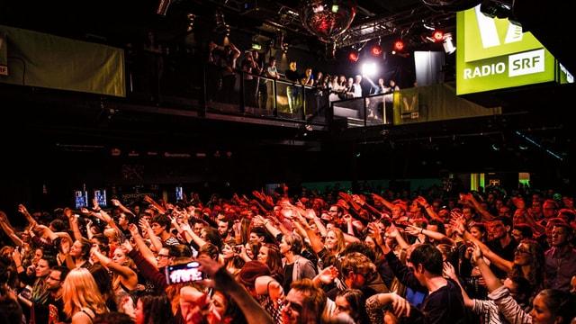 SRF Virus bringt mit «8x15.» angesagte Schweizer Musik in die Clubs und auf die Bühne.