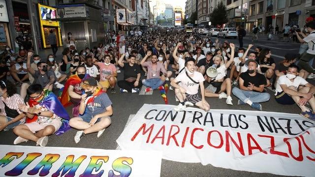 Demonstranten auf der Strasse.