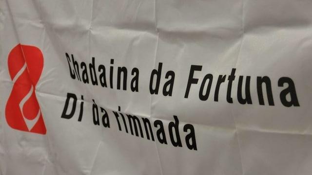 Banner cun scrit si Chadaina da Fortuna.