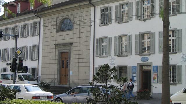 Der Eingang zur Sentikirche an der Luzerner Baselstrasse.